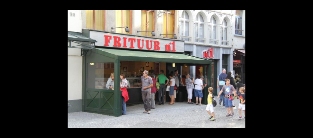 Frituur No 1, Belgian fast-food at its best, perfect for a late-night meal. This snack bar is all about the chips (fries, friet, frites, …)